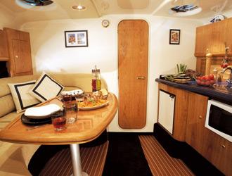 Party Yacht Charter in Puertobanus